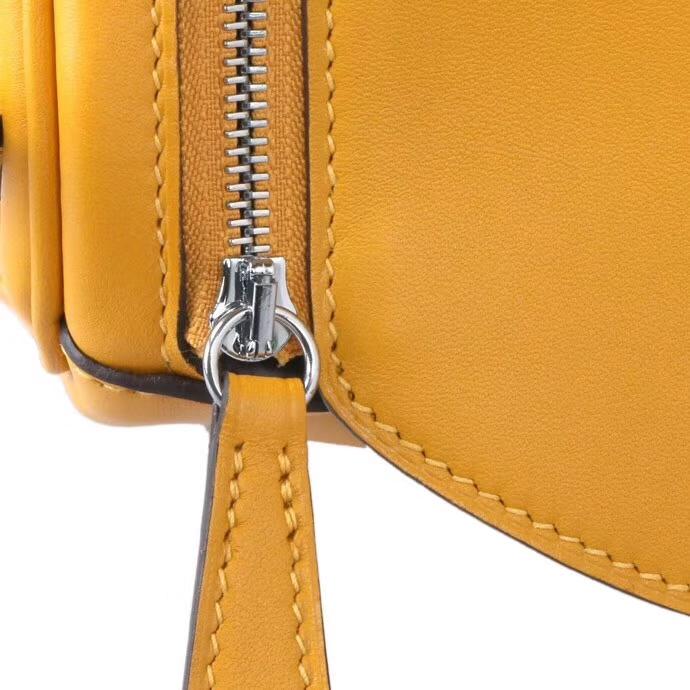 Hermès(爱马仕)2019新款 lindy琳迪包 9D琥珀黄 swift皮 编织肩带 银扣 26cm