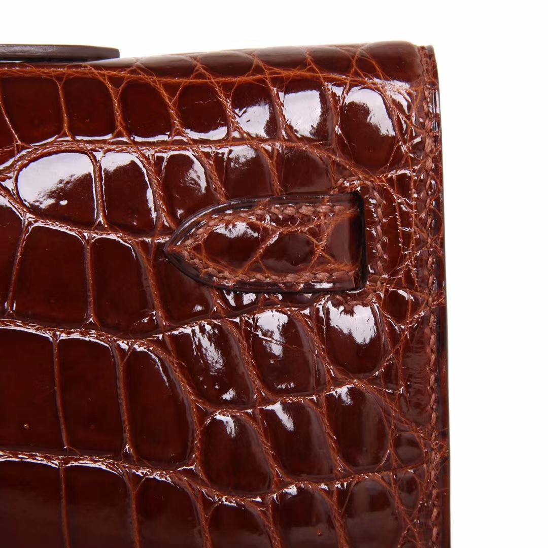 Hermès(爱马仕)Kelly Cut长款手包 焦糖色 鳄鱼皮 银扣 31CM