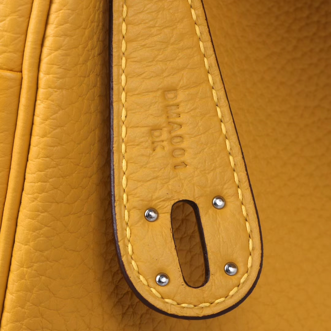 Hermès(爱马仕)lindy琳迪包 琥珀黄 Togo 银扣 30cm