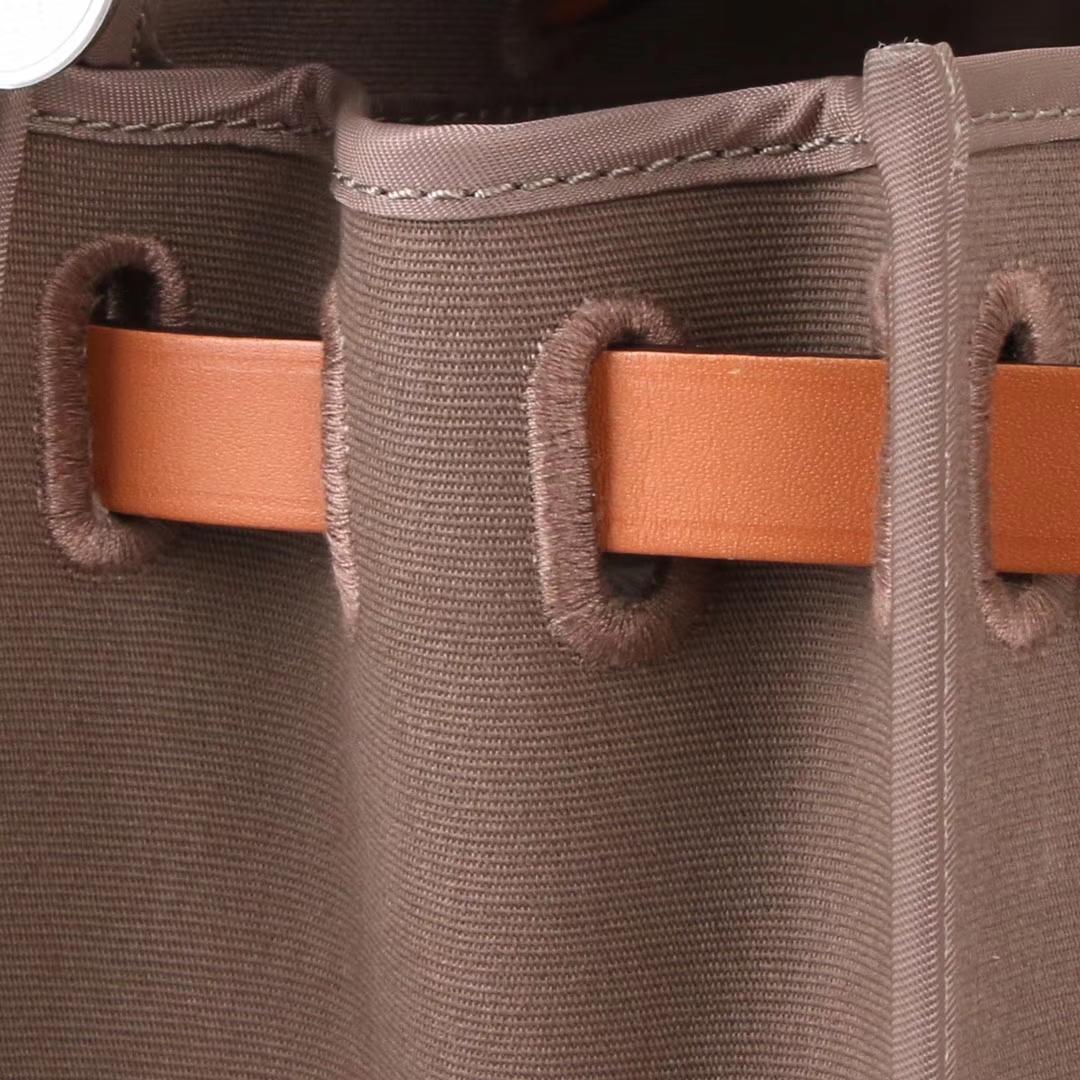 Hermès(爱马仕)herbag马鞍包 驼色马鞍皮拼大象灰 帆布 31cm