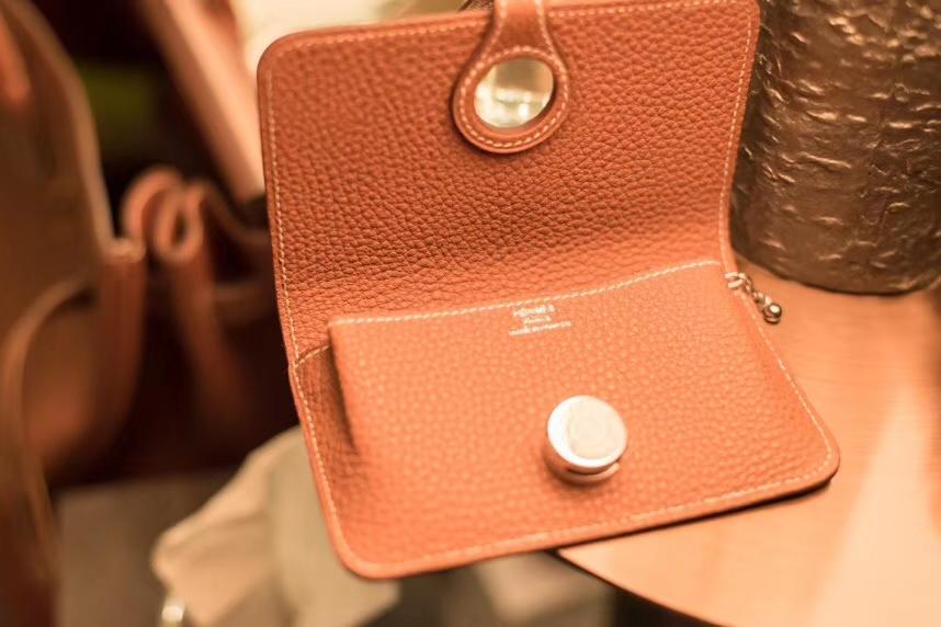 Hermès(爱马仕)护照夹 mini 金棕色 卡包