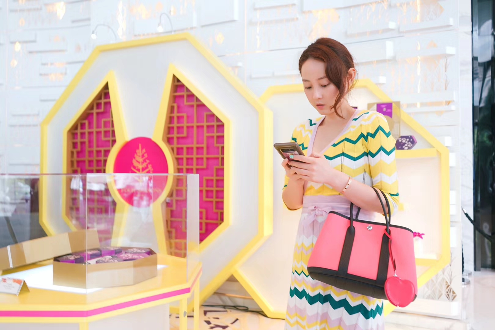 Hermès(爱马仕)garden party 花园包 黑色togo拼樱花粉帆布 30CM