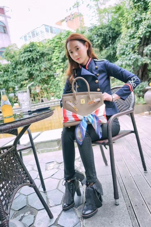 Hermès(爱马仕)Birkin 铂金包 大象灰 togo 金扣 30cm