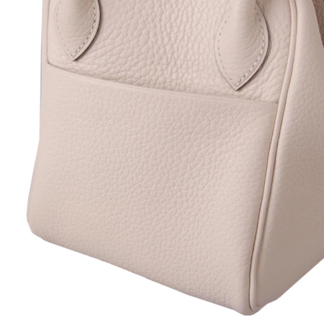 Hermès(爱马仕)lindy 琳迪包 奶昔白 Togo 银扣 30cm