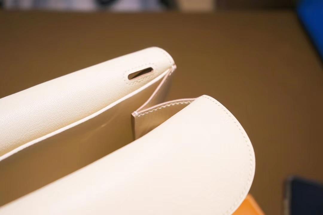 Hermès(爱马仕)Halzan 30cm 银扣 3C奶昔白 TOGO