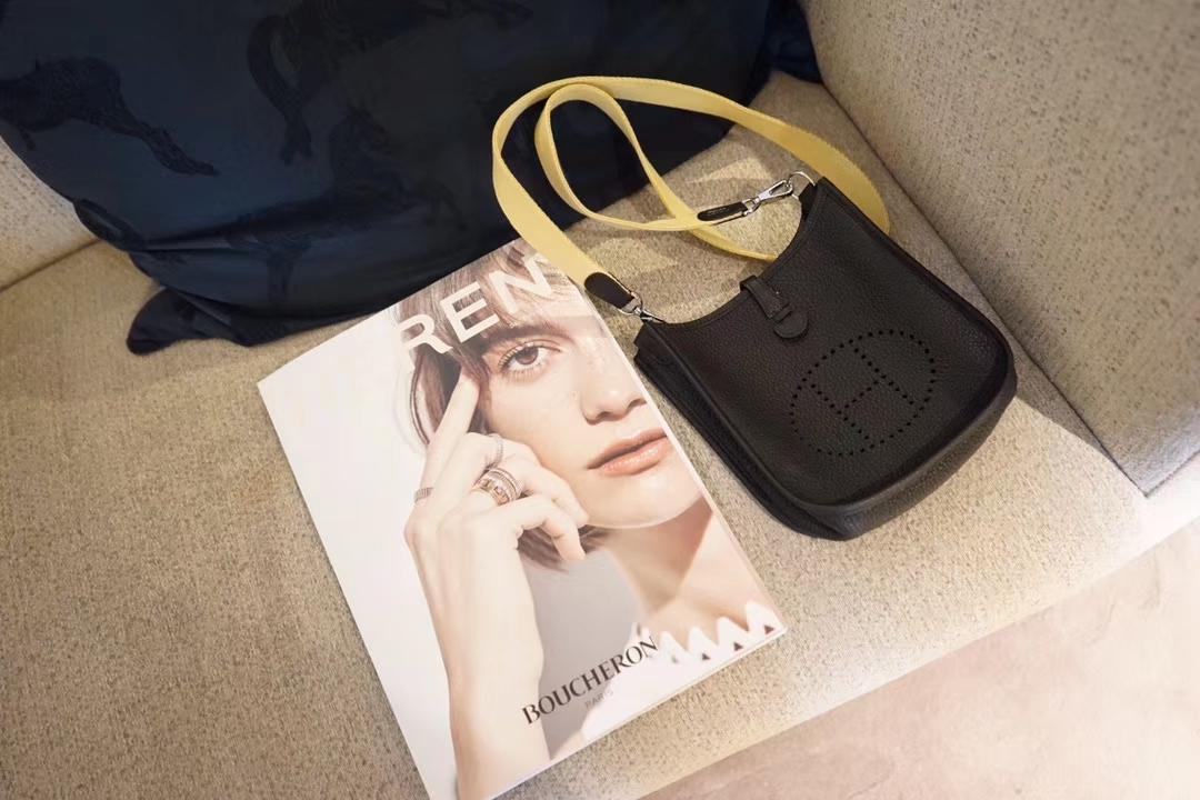 Hermès(爱马仕)evelyne 伊芙琳 黑色 togo 银扣 17cm