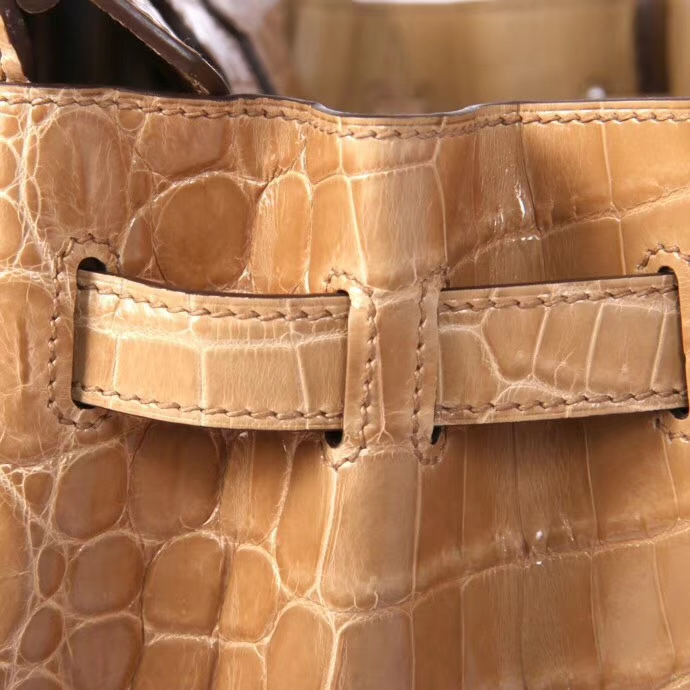 Hermès(爱马仕)Birkin 铂金包 I9杏色 亮面 金扣 30cm