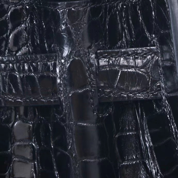 Hermès(爱马仕)Kelly 凯莉包 CK89黑色 亮面鳄鱼 银扣 28cm