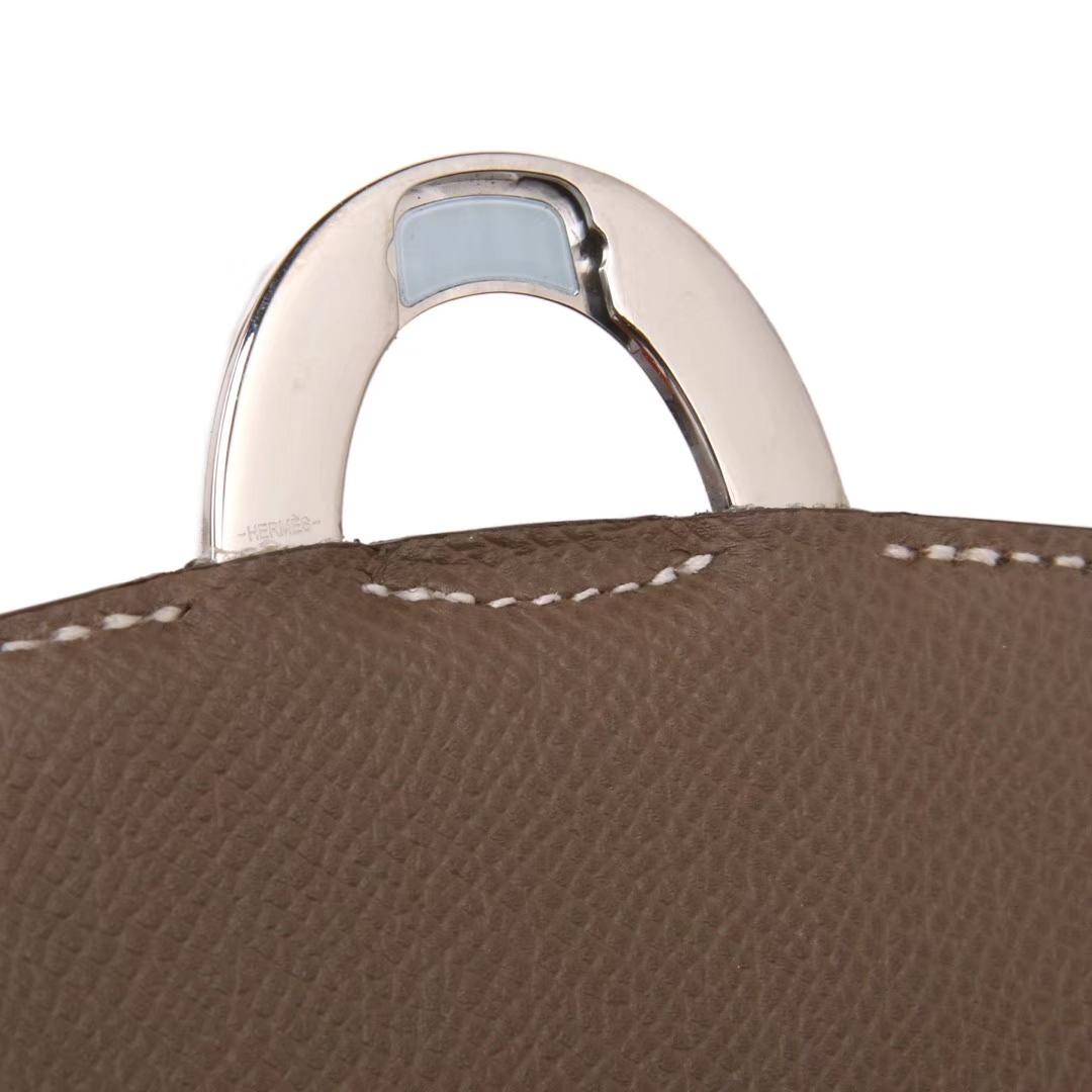 Hermès(爱马仕)MIDI 挎包 大象灰 epsom皮 银扣 18cm