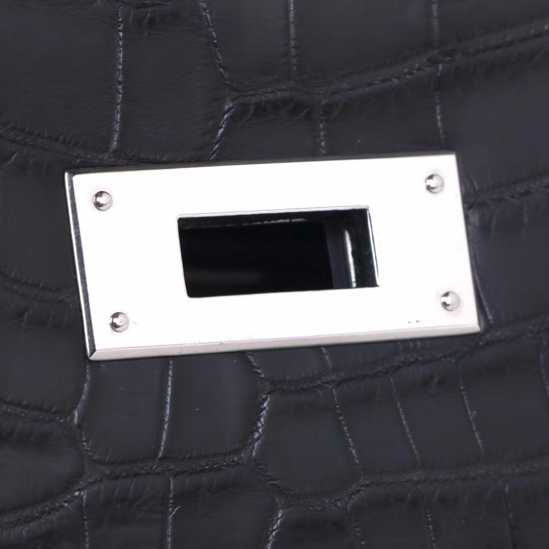 Hermès(爱马仕)Kelly 凯莉包 黑色 雾面鳄鱼 银扣 28cm