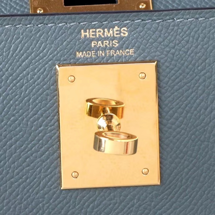 Hermès(爱马仕)Kelly 凯莉包 杏仁绿 Epsom 皮 金扣 28cm